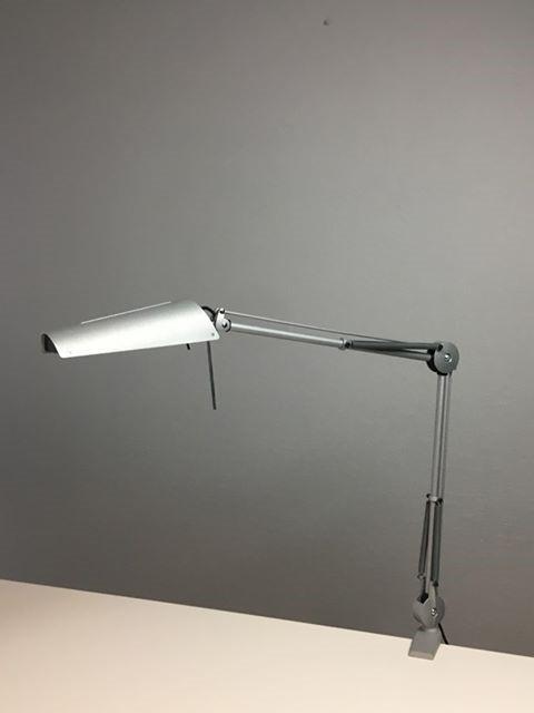 skrivebordslampe fra Luxo